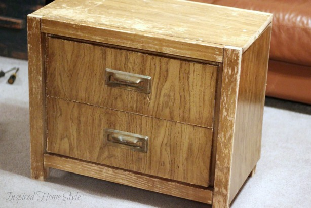 Simple tutorial on how to distress furniture ~ Wooden chest before and after
